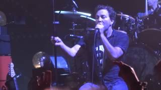 Pearl Jam - Hard to imagine live in Phoenix 2013