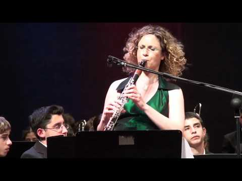 Shirley Brill performs Artie Shaw Clarinet Concerto