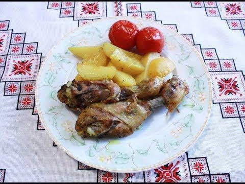 Курица в духовке с картошкой в рукаве Курка в духовці з картоплею Окорочка в духовке и рукаве