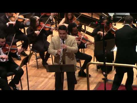 Mullikin Oboe concerto 4th Mov performed by Cesar Mateo Martinez