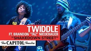 """Shakedown Street"" | Twiddle ft. Brandon ""Taz"" Niederauer | 11/25/17 | The Capitol Theatre"