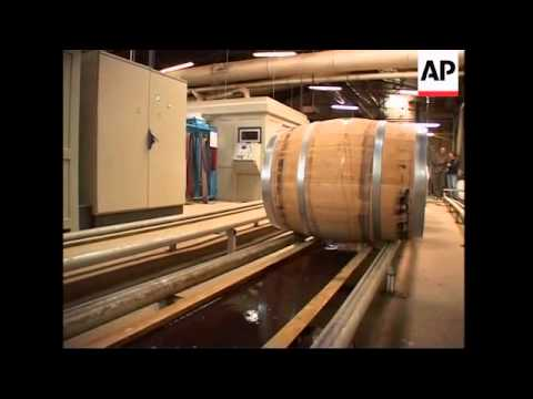 The use of oak barrels in the French wine industry