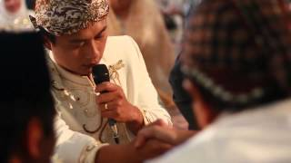 Ayu & Febi ~ Masjid UGM Jogja (Wedding Cinematic Clip)