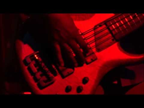 Melvin Gibbs Solo  at the Owl Music Parlor  Feb 27 2016 - Beginning