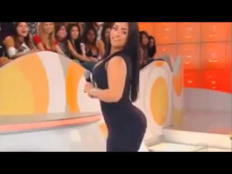 Latina ass shaking tube