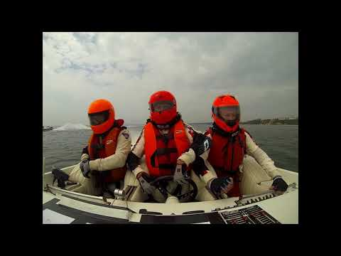 Start of Fortitudo Poole Bay 100 2018 Powerboat Race on board Dry Martini