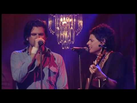 Tex Perkins & Deborah Conway - Love Hurts