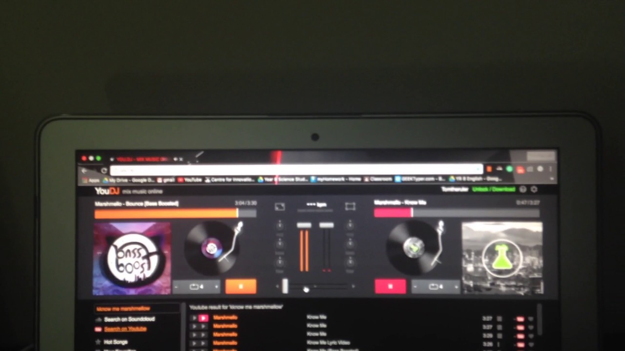 You dj for free mixing songs online