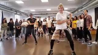 طريقة الرقص على اغاني #سلوكينغ و احلى رقص لسنة 2019 الرجاء دعمنا و مشاركة للقناة و ساتيكم بكل جديد