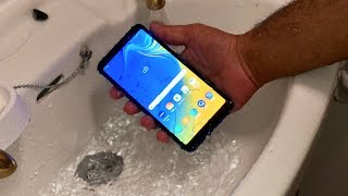 Samsung Galaxy A7 (2018) - Water Test [HD]