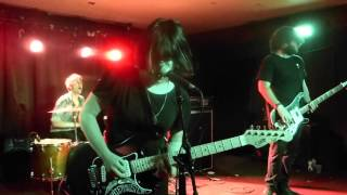 Screaming Females - Buried in the Nude (Houston 08.23.15) HD