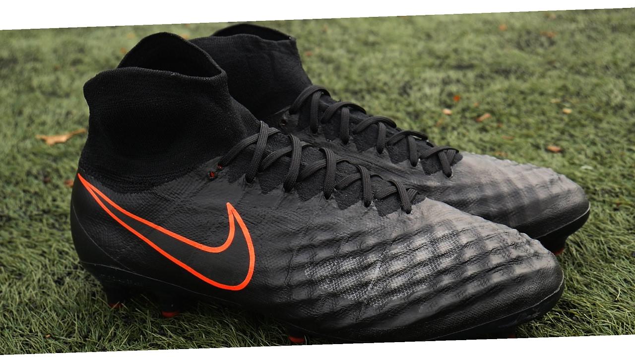 huge selection of 1b90d 6c2ed Nike Magista Obra 2 Unboxing - (Pitch Dark Pack) 2017