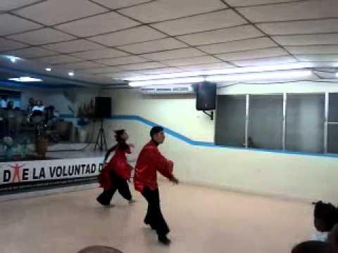 Un Milagro Marcos Yaroide ft Isabelle Valdez Danza