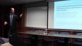 Brian Lickel y Rachel Steele en Coloquios Tópicos Actuales en Psicología