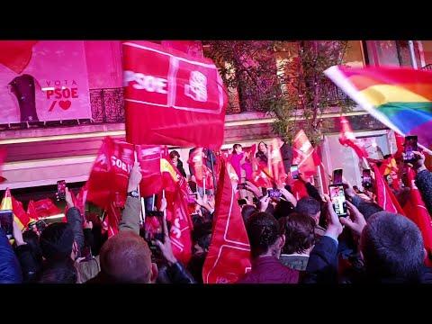 Sánchez celebra la victoria electoral en Ferraz