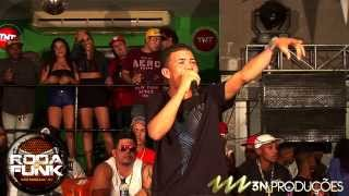 Download MC Magrinho :: Ao vivo e pela a primeira vez na Roda de Funk :: MP3 song and Music Video