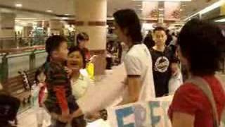 FREE HUGS MALAYSIA Part 2 (Music by OAG)