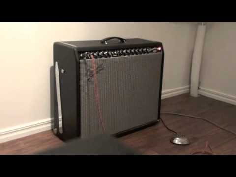 Fender Custom Vibrasonic