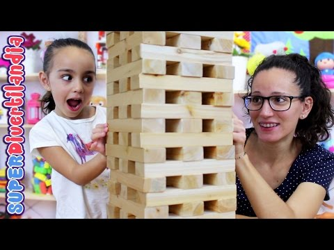 Jenga Gigante! Torre de juguete de madera. Tumbling Stacking! Wood tower.