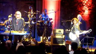 Hall & Oates performing Kiss On My List & Private Eyes live @ the Mountain Winery on 9/18/2012