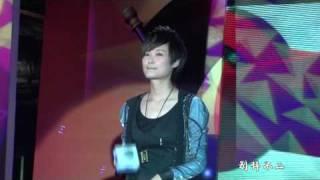李宇春LI YuChun-091023上海歌友會《小朋友》全球首唱