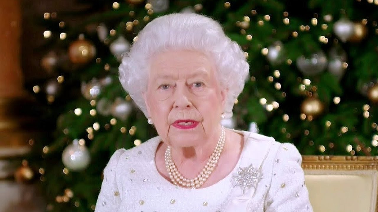 the queen 39 s christmas message for 2017 youtube. Black Bedroom Furniture Sets. Home Design Ideas