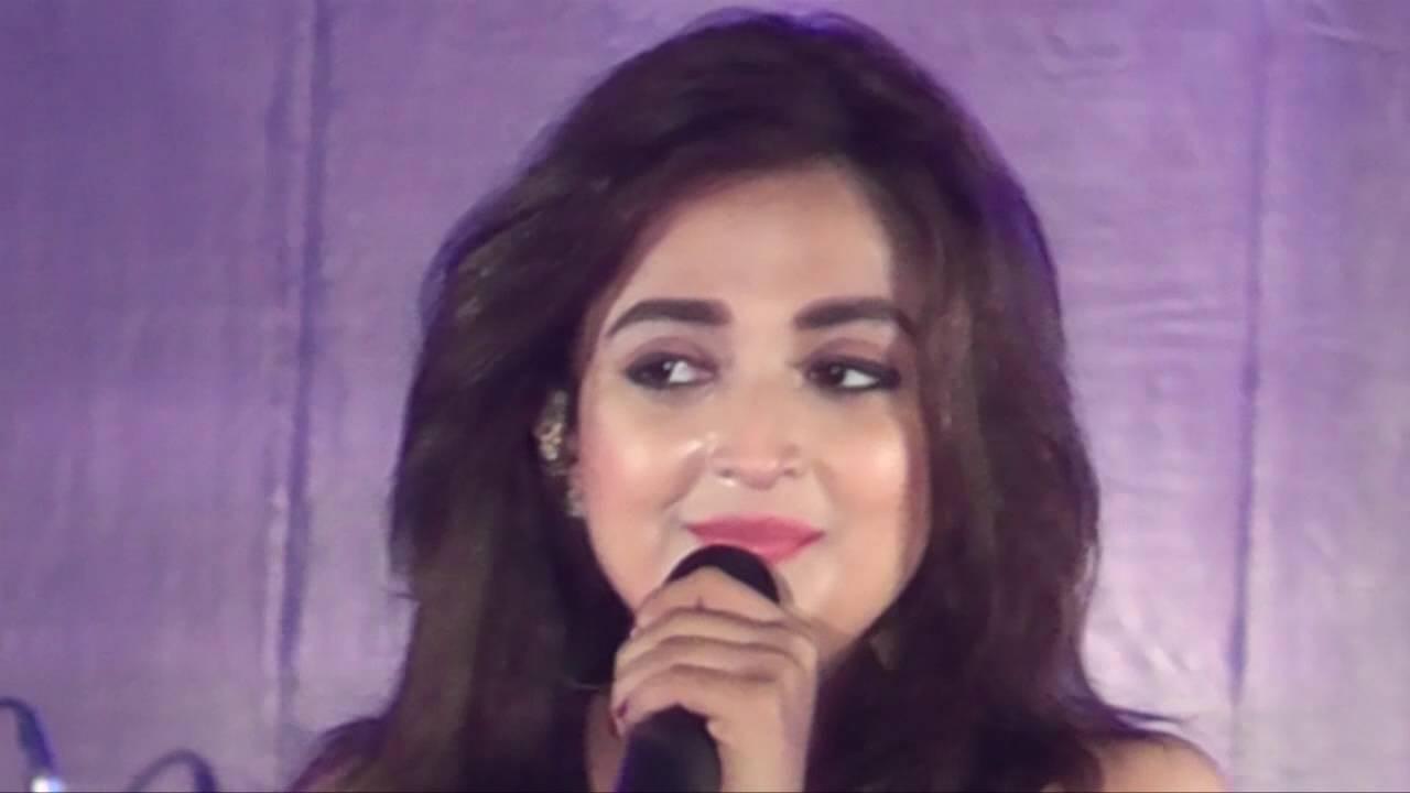 Monali Thakur Live at Advaitam 2016 Pronite | NIT Agart ...