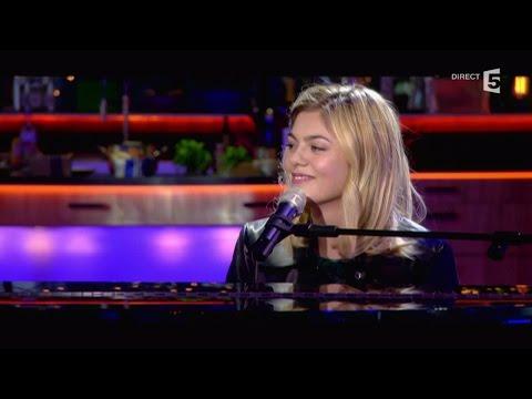 """Louane, en Live avec """"Maman"""" - C à vous - 15/12/2015"""