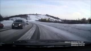 ДТП на трассе Мурманск-Североморск 23 02 2016 (Вылетел на встречку)(Подписываемся на канал, каждый день новое видео!!!!, 2016-02-28T23:10:36.000Z)