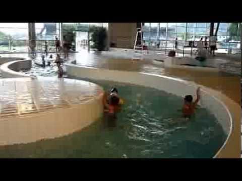 Les enfants  la piscine toboggan dAls le 10 Juillet 2013  YouTube