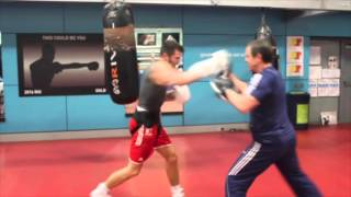 PAD WORK - ANTHONY FOWLER SHOWS HIS SPEED & TIMING ON THE  PADS @ ENGLISH INSTITUTE OF SPORT