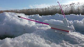 Не успел опустить поплавок сразу поклёвка Давно я так не ловил Зимняя рыбалка 2021