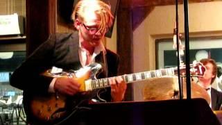 Joel Svenssons gitarrsolo i Ezzthetic (Love for sale)