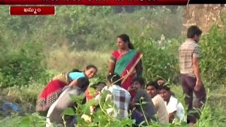 Exclusive : Women Playing Cards in Farms of Khammam District