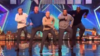 Мужчины танцуют на шоу талантов BRITAINS GOT TALENT