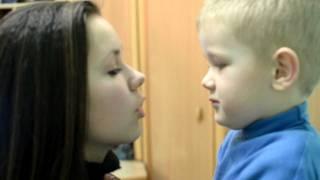 Как научить малышей целоваться))))
