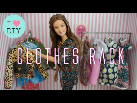 DIY Doll Garment Clothes Rack & Paper Clip Hangers - Easy Barbie Crafts + Frozen Made to Move Elsa