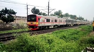 vuclip Kompilasi Perlintasan Kereta Api Indonesia Tersibuk #3 (Indonesia Railroad Crossing Train)
