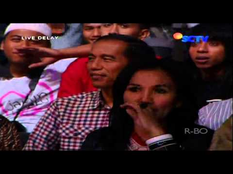 WALI BAND Feat THE VIRGIN [Aku Bukan Bang Toyib] Live At Konser Wali Dijamin Rasanya (10-06-2014)