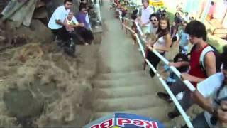 Скоростной спуск на велосипеде (Red Bull) (www.balunet.org).flv(, 2011-05-13T05:22:28.000Z)