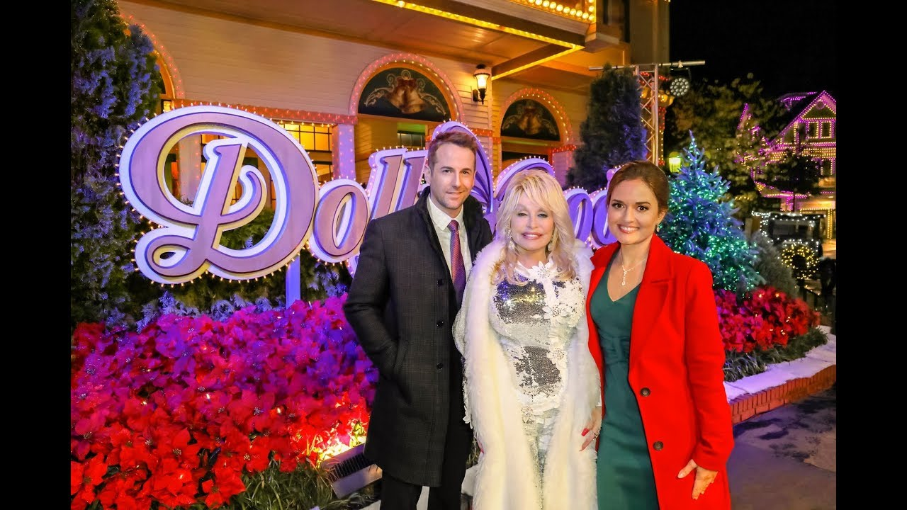 Preview - Christmas at Dollywood