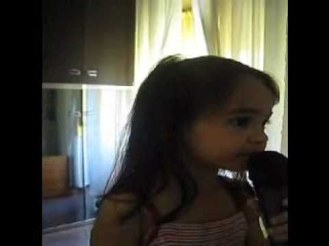 Italian 3 years old singing tagalog song