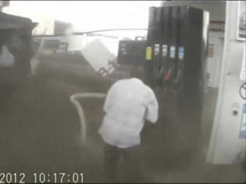 Russian man dodges death at gas station pile-up