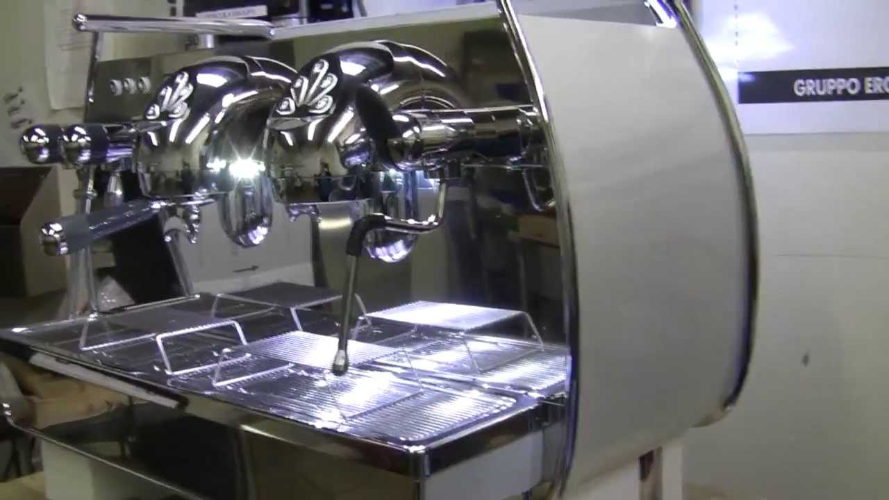 Commercial Espresso Machine Crew Review: Nuova Simonelli Victoria Arduino Adonis - YouTube