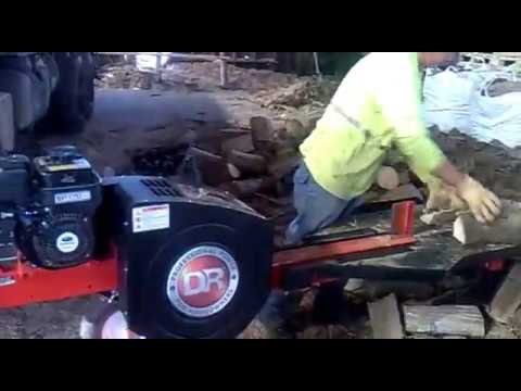 Maquina r pida para partir le a youtube for Maquina de astillar lena