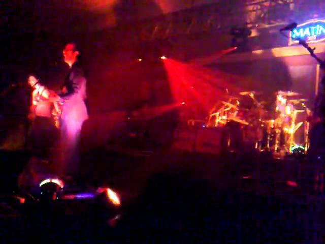 mor-ve-otesi-2012-23-nisan-2011-konser-buket-cakmak