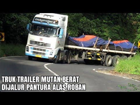Truk Truk Trailer Muatan Berat Dijalur Pantura Alas Roban Batang Jawa Tengah