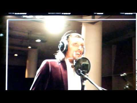 Stipe Erceg im Tonstudio bei Nobbie Vazquez