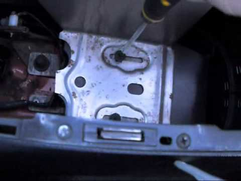 How to remove the center console in a 1994-2004 Mustang - YouTube