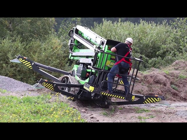Offroad driving with Leguan 190 tracked spider lift